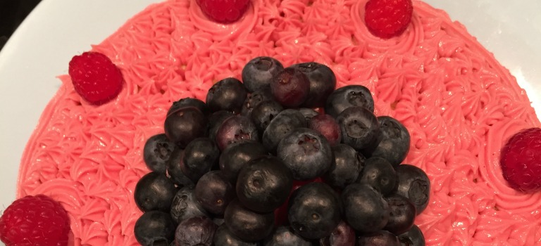 Sandkuchen mit Beeren